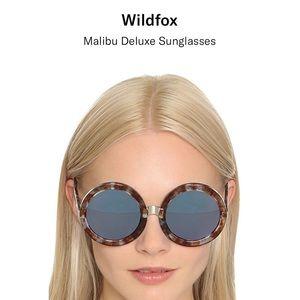 WildFox Malibu Deluxe Round, oversized sunglasses